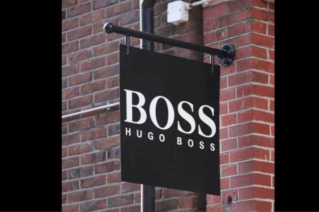 uithangbord-Boss-1400-1024×568